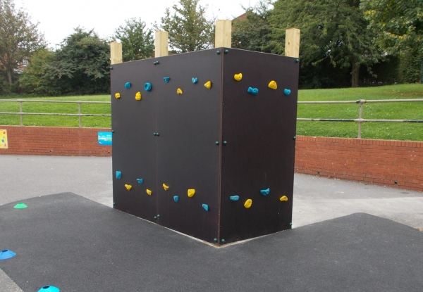 3.6m(w) Bouldering Wall