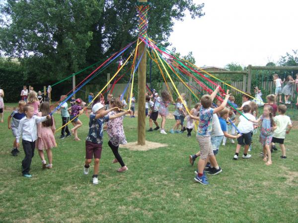 Maypole 2 - Blurred Faces