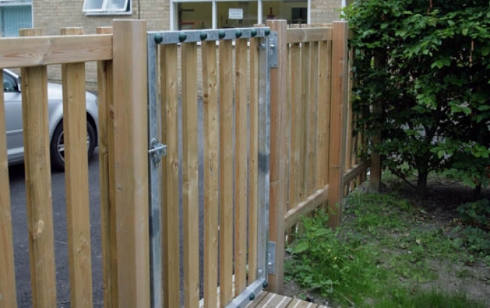 FS005 - Timber Gate (1.2m Opening) 6