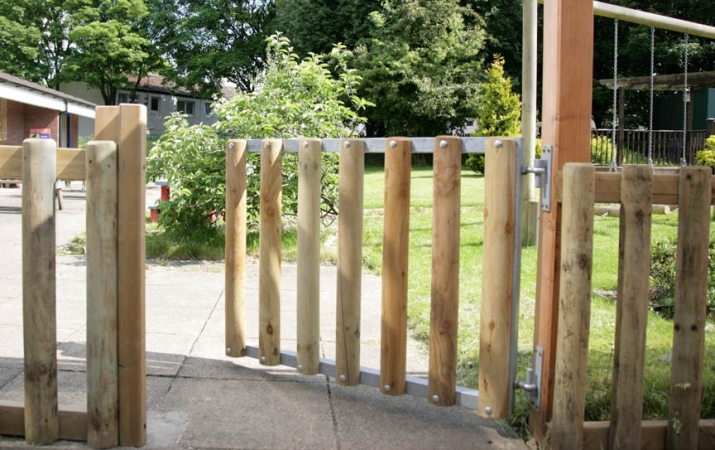 FS005 - Timber Gate (1.2m Opening) 1