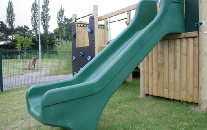 HDPE Slide 1m  -  Chellow Heights LR