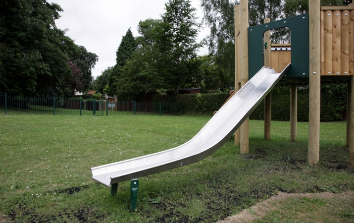 Stainless Steel Slide 1m  -  Wistow Road (2)